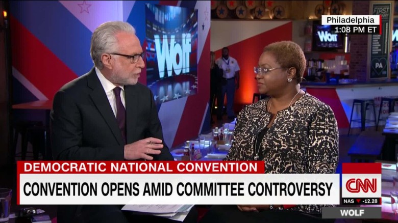 DNC email controversy clouds convention _00003124
