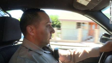 cnnee pkg gonzalo alvarado policias california _00004713