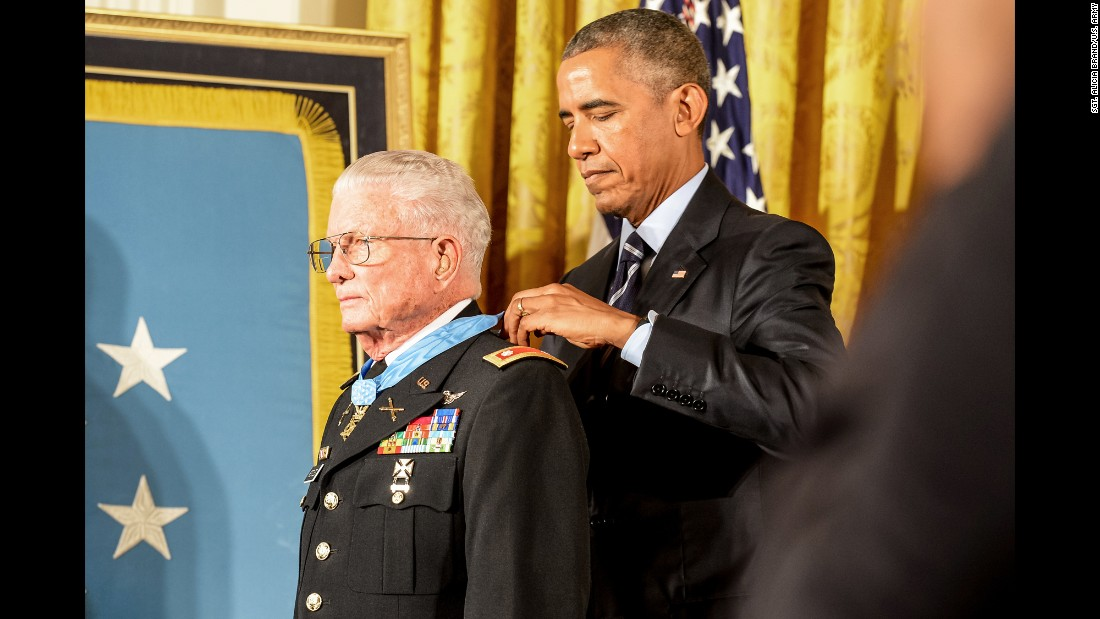 "U.S. President Barack Obama awards the Medal of Honor to retired Army Lt. Col. Charles Kettles on Monday, July 18. Kettles, now 86, is credited with <a href=""http://www.cnn.com/2016/07/18/politics/medal-of-honor-recipient-charles-kettles-vietnam-war-helicopter-commander/"" target=""_blank"">saving the lives of 40 soldiers during the Vietnam War.</a>"