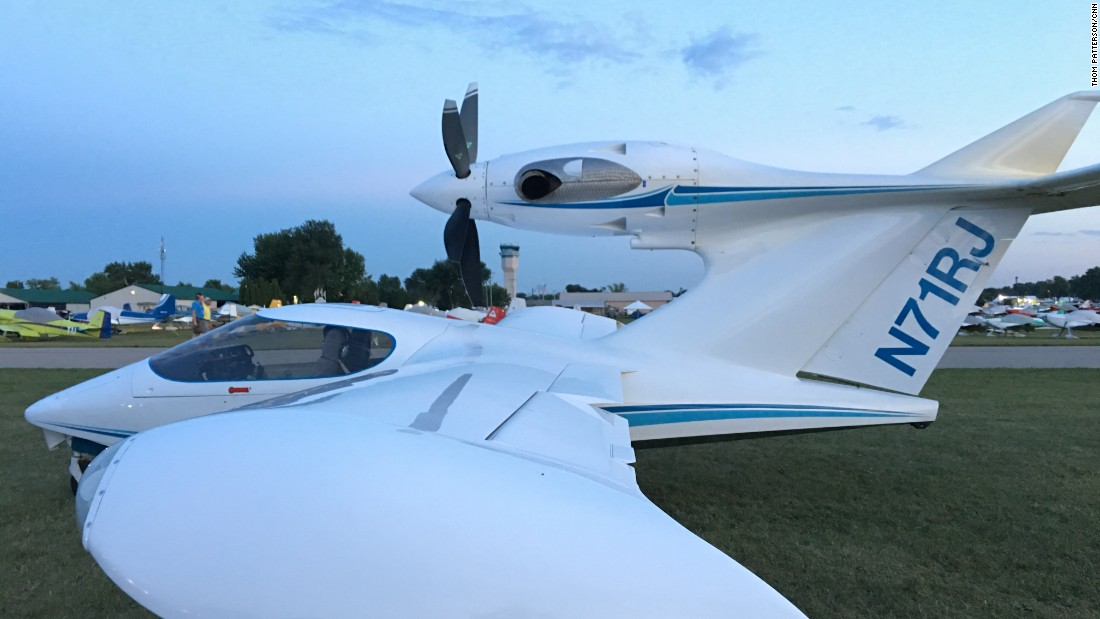 This standout kit single-engine plane spotted at Oshkosh is a 2011 Seawind 3000.