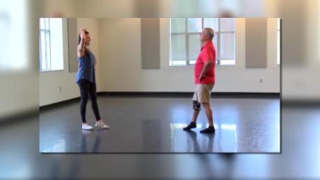 cnnee vive la salud marisa azaret bailar tango puede ayudar contra el cancer_00004525