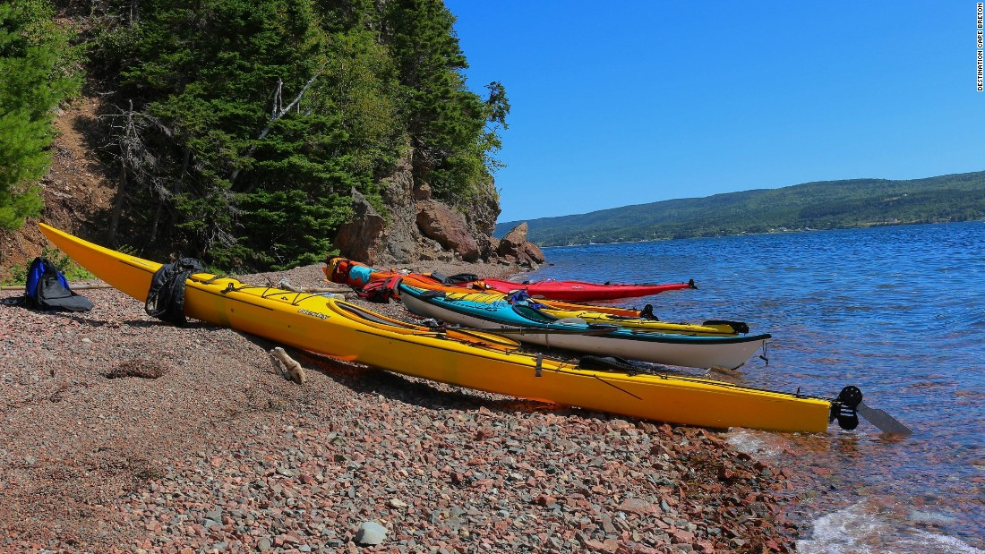 Kayaking, hiking, whale watching, sailing and more attract outdoor enthusiasts to the island. A number of outfitters offer multiday sea kayaking excursions.