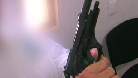 cnnee pkg krupskaia alis empresarios de guerrero adquieren armas por violencia _00024906