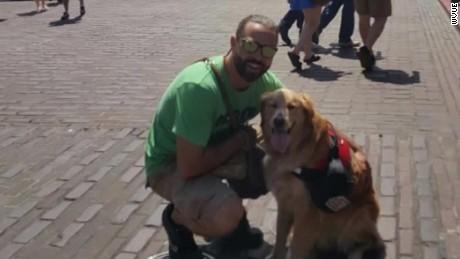 shop owner kicks out veteran service dog pkg_00003914