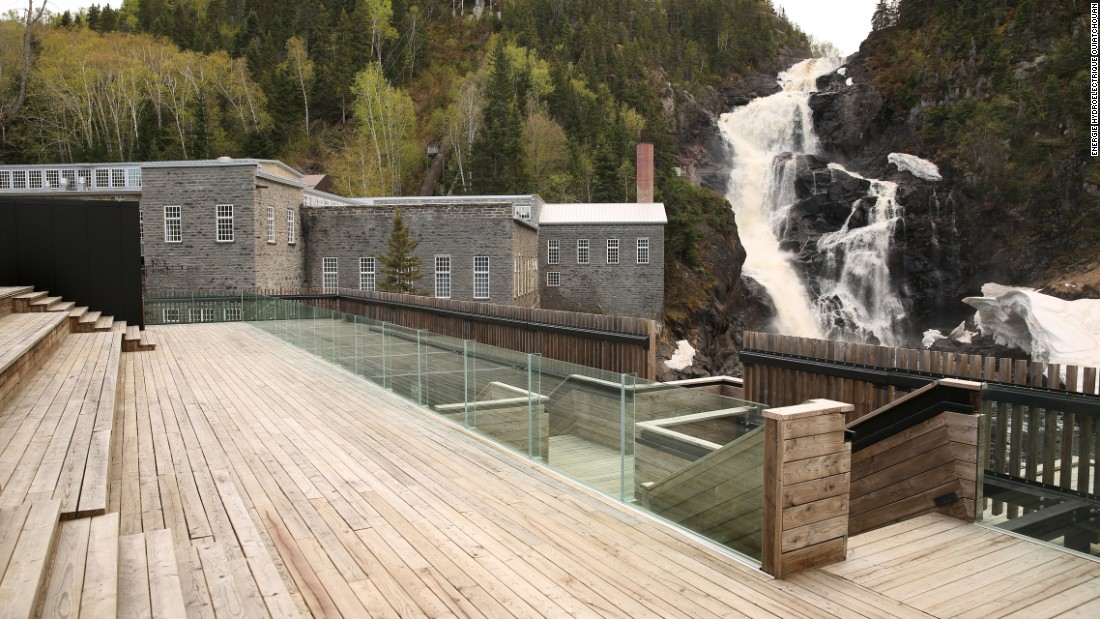 The architectural plans behind this unassuming plant incorporated several terraces and lookouts, providing excellent views of the Ouiatchouan Falls.
