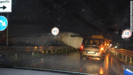 A cargo plane, Boeing 373 belonging to DHL couriers has dramatically crashed onto a road in Italy.