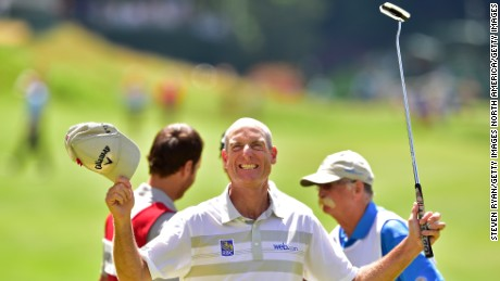 Jim Furyk shoots record 58 in PGA Tour at Travelers Championship