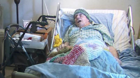 hospice man knitting homeless pkg_00003016