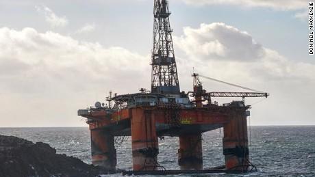 19 000 ton oil rig blown ashore in scotland cnn com