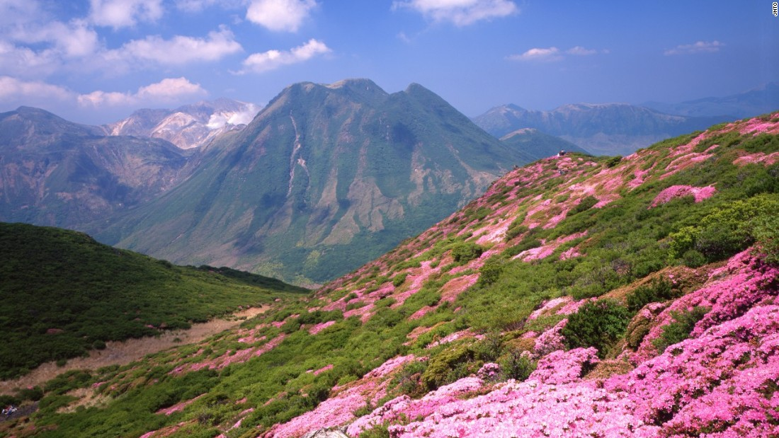 Covered in Japanese azalea, the Kuju range is popular among hikers looking for breathtaking views in Kyushu.