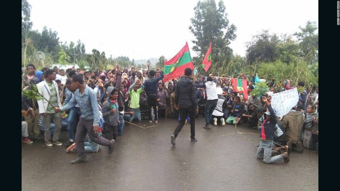 Ethnic Oromos from Mogor town, West Shewa Zone, participating in the nationwide protest on August 6 2015.