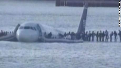 Cockpit recordings of Hudson River landing (2009)