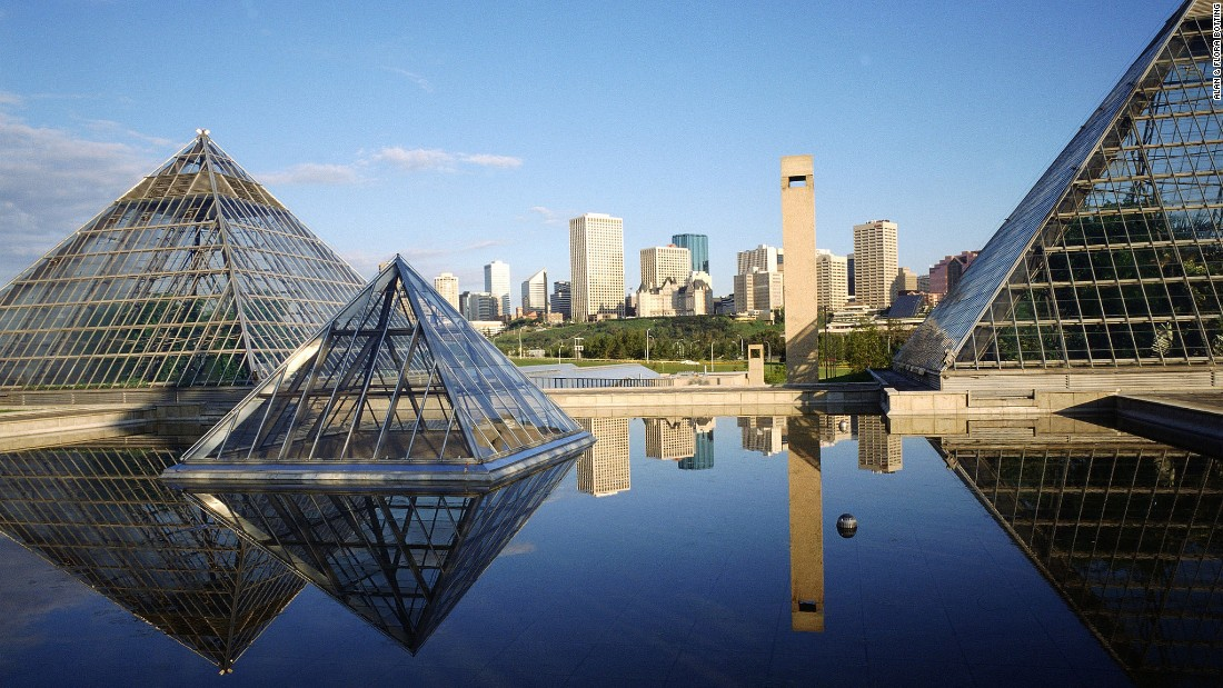These modern glasshouses, iconic to the Canadian city, were designed by award-winning architect Peter Hemingway and opened in September 1976. Each of the four pyramids contains a different climate, collectively preserving and growing one of Canada's largest botanical collections.