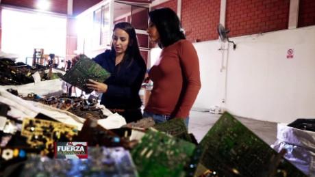 cnnee pkg preview fuerza en movimiento ecuador el negocio del reciclaje gabriela frias_00005627