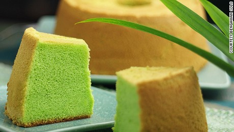 Classic pandan cake vendor Bengawan Solo has a branch at Singapore's airport.