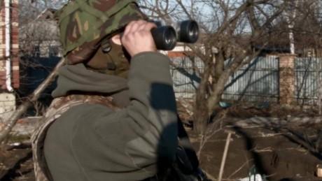 cnnee pkg phil black tension rusia ucrania video explosivos armas_00005428