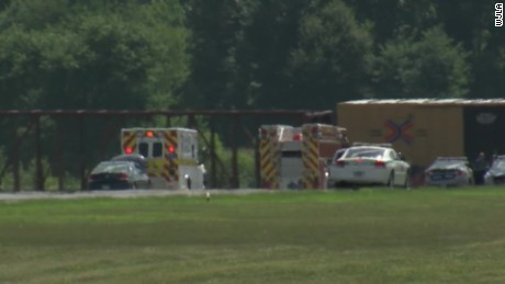 Virginia plane crash kills six_00004018