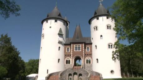 renaissance fair castle house cnnmoney_00000803