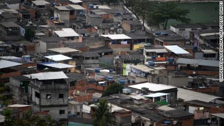 An overhead view of the Favela Pedra do Sapo, located in the Baixada Fluminense area.