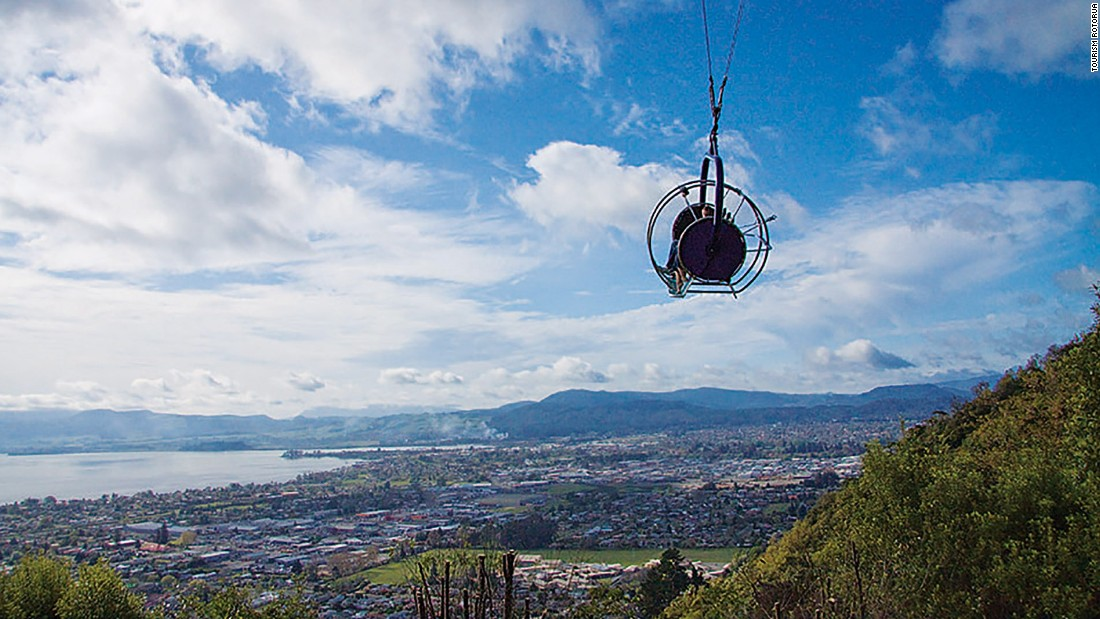 The Skyswing at Skyline Rotorua is one of the scariest attractions around. A three-seated swing is hoisted 50 meters above ground. Passengers then need to pull the release, which will send them swinging at speeds of up to 150 kilometers per hour.