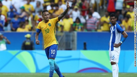 Neymar celebrates scoring against Honduras in the countries' Olympic semifinal matchup.