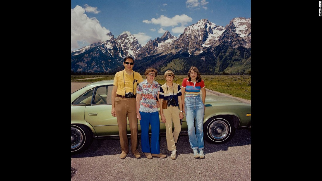 <em>Family at Grand Tetons National Park, Wyoming, 1980. </em>Over time, Minick decided that families that were subtly color-coordinated got along better.
