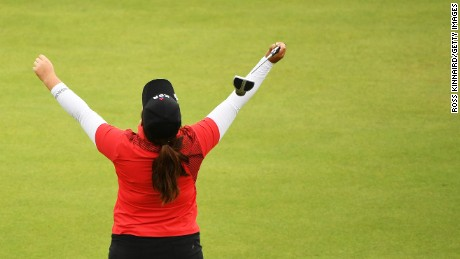 Inbee Park of Korea reacts on the 18th green after winning gold during the Women's Golf Final on Day 15 of the Rio 2016 Olympic Games at the Olympic Golf Course on August 20, 2016 in Rio de Janeiro, Brazil.