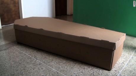 cnne venezuela coffins hernandez pkg_00014101