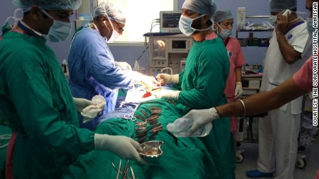 Doctors remove 40 knives from man's stomach in India