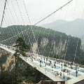 160822125220-09-china-glass-bridge