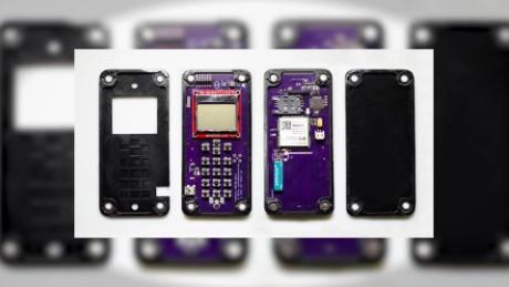 cnnee pkg marta garcia telefonos celulares se auto ensamblan_00002510