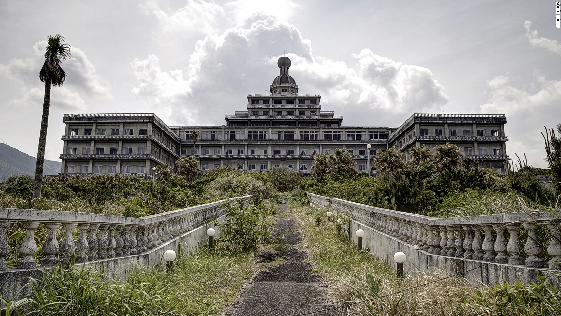 "Hachijo, an island once called the ""Hawaii of Japan"" is home to the Oriental Resort hotel. Desolate for over a decade, the hotel was closed in 2005 after failing to attract enough guests to warrant employing the staff needed to upkeep it."