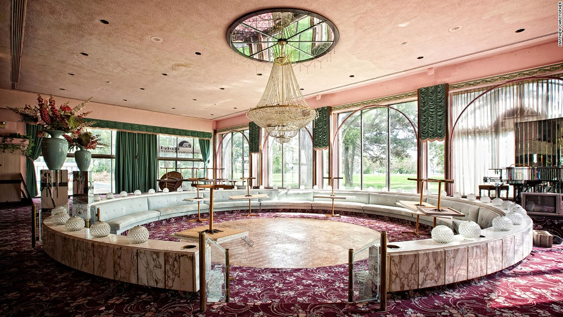 "The U.S. side of Niagara Falls might pull in 12 million annual visitors but the Fallside Inn is a sign of different times, says urban explorer <a href=""https://www.instagram.com/abandoned_america/"" target=""_blank"">Matthew Christopher</a>."