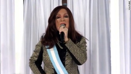 title: F?tima Florez como Cristina Kirchner en ShowMatch duration: 00:13:08 site: Youtube author: null published: Thu Jun 16 2016 05:52:02 GMT-0400 (Eastern Standard Time) intervention: yes description: La comediante volvi? a interpretar a la ex presidente en el sketch de Gran Cu?ado.