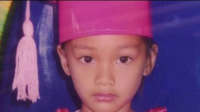 child dies from gunshot philippines field lok_00000308