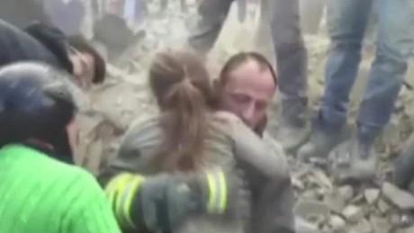 italy quake survivors atika shubert pkg_00001013