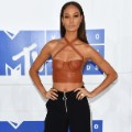 17vma red carpet 0828