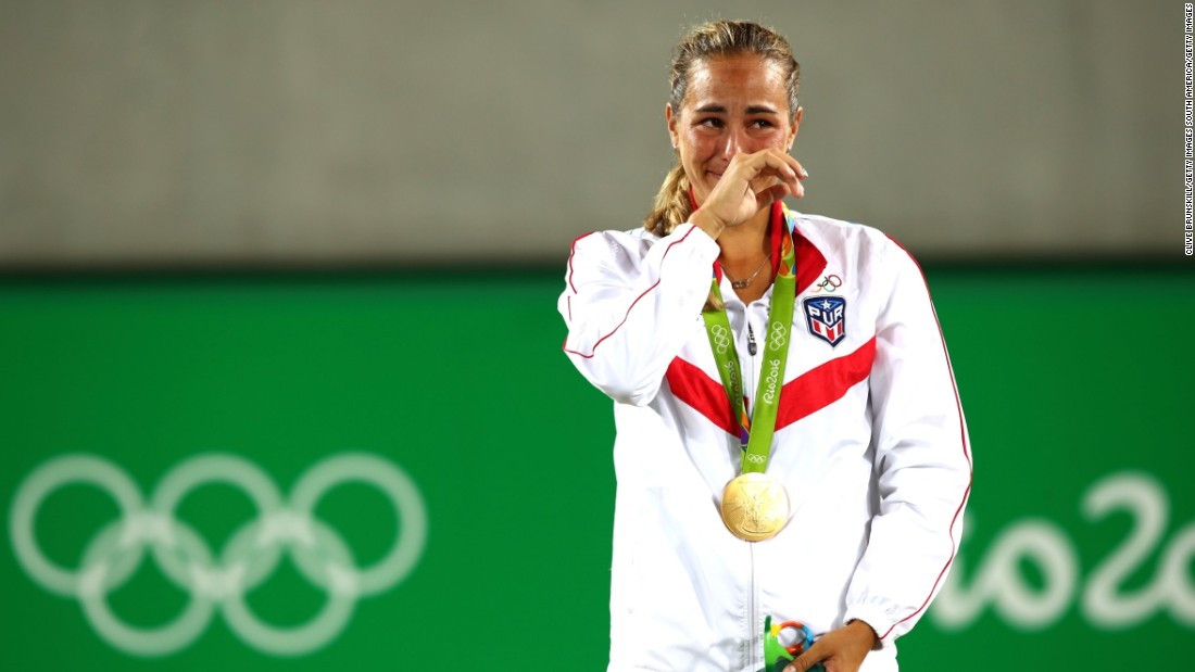 In the women's draw, Olympic champion Monica Puig was unable to continue her gold medal form, going down 6-4 6-2 to China's Zheng Saisai in her first match since winning in Rio.