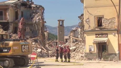 cnnee pkg frederik pleitgen capricchia amatrice terremoto italia_00015327