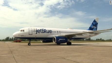 First US commercial flight lands in Cuba oppman_00000000