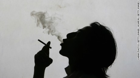 One million Chinese people died of smoking-related diseases in 2010, according to The Lancet.