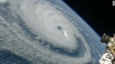 cnnee vo nasa muestra imagenes de huracanes _00001002