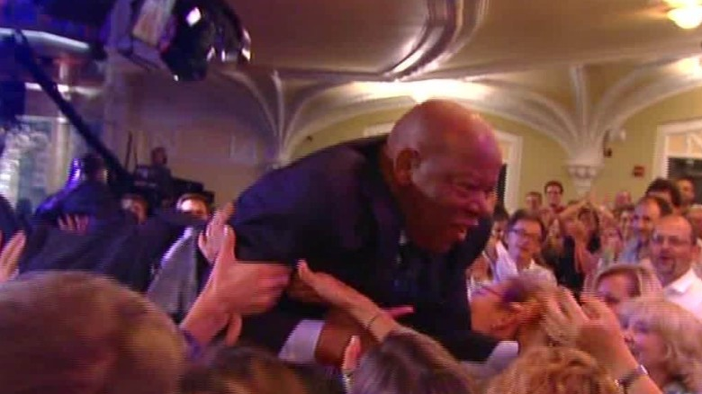 john lewis crowd surfs daily hit newday_00003202