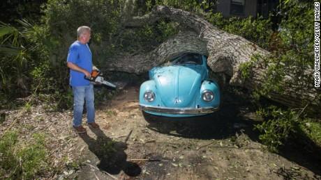 Hermine storms into Florida