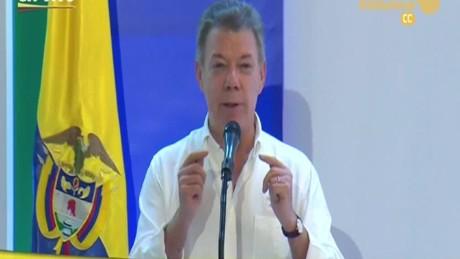cnnee brk firma paz colombia cartagena sot juan manuel santos_00003420
