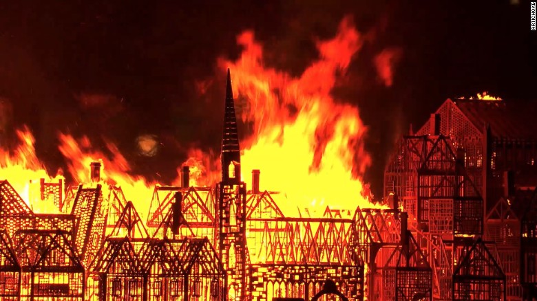 Burning of London replica creates spectacular show