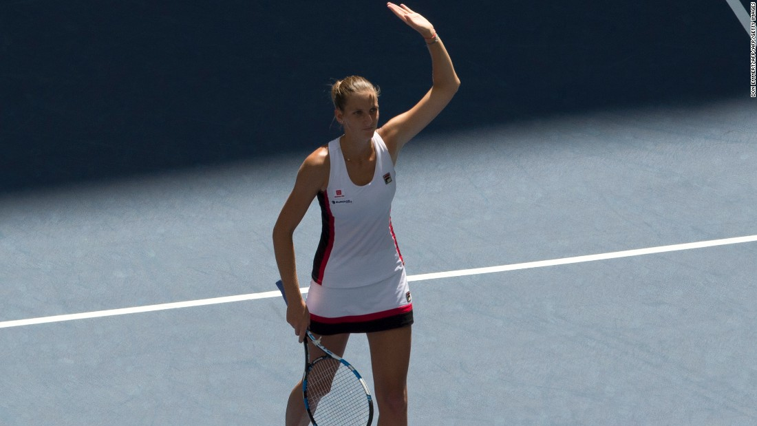 Karolina Pliskova earlier moved into the last four in the women's draw.
