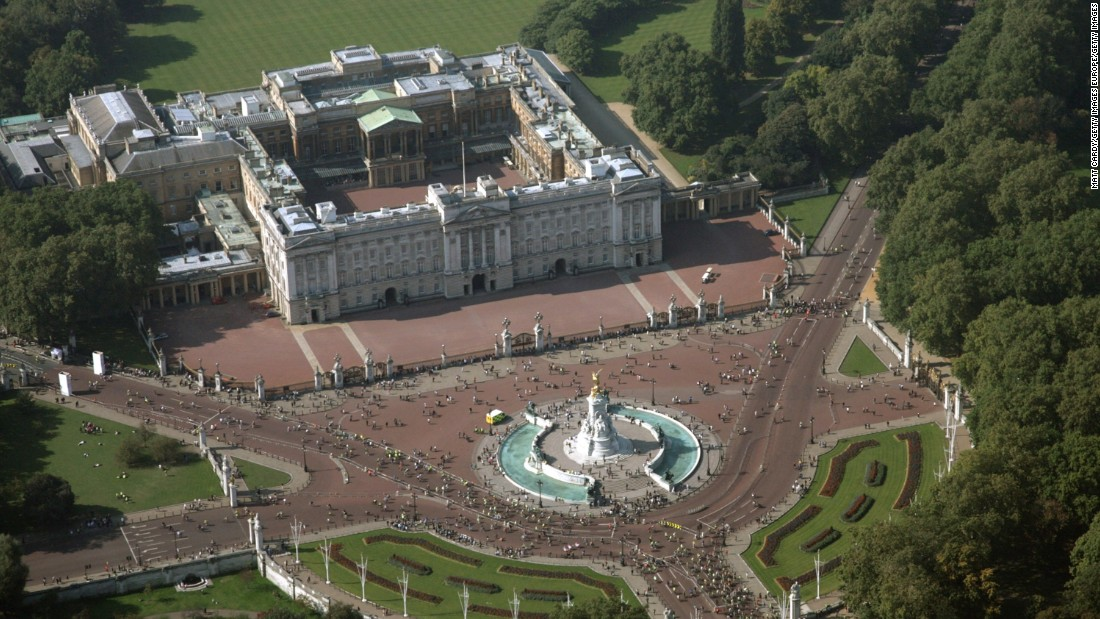 This could be your new pad if you get the job as live-in housekeeper at London's Buckingham Palace. The application deadline is September 30.