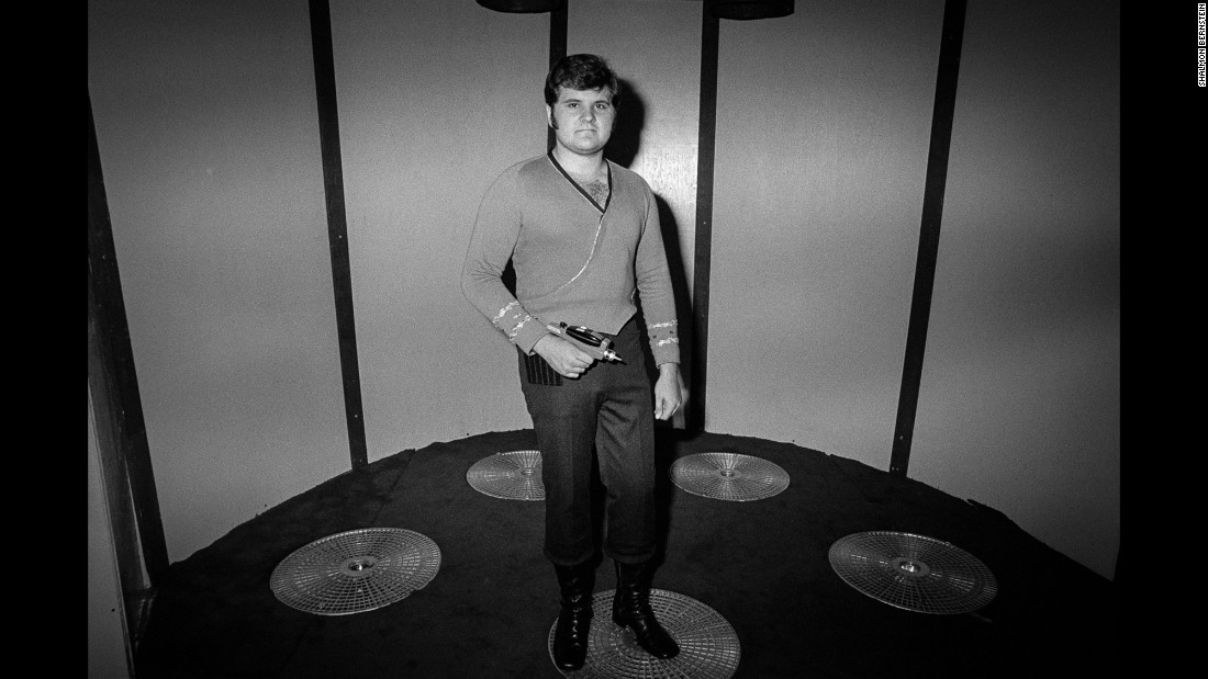 "In September 1976, ""Star Trek"" fans descended upon the Statler Hilton Hotel in New York. This image is just one of the many captured at the four-day convention by photographer <a href=""http://www.shalmonbernstein.com/"">Shalmon Bernstein</a>."