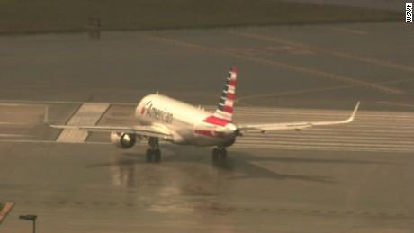 cnnee vo american airlines llega a cuba _00000127
